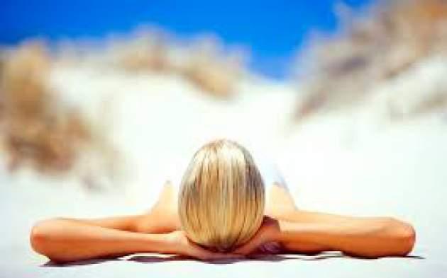 Specialistai pataria, kaip apsisaugoti nuo vasaros karščio ir saugiai mėgautis saulės teikiamais malonumais