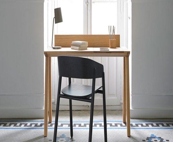 Kas svarbu renkantis stalą darbui?