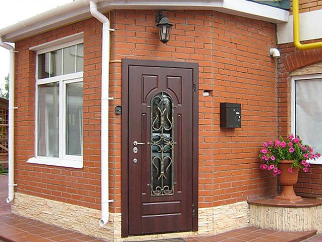 Kaip išsirinkti duris namams?